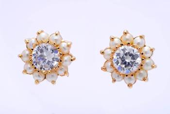 BEAUTIFUL DAILY WEAR STONE STUDDED SUN TOPS/EARRINGS/STUDS (AD PEARL) - PCE1041