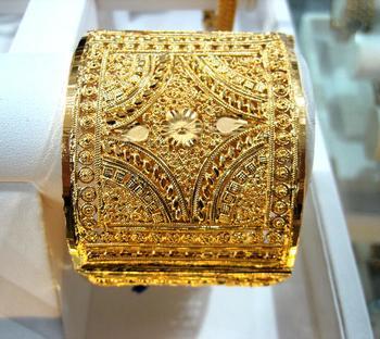 Designer Collection Golden Kada