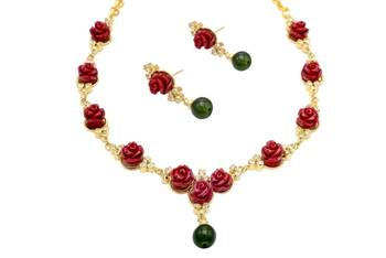 BEAUTIFUL FLOWER CORAL NECKLACE SET WITH EARRINGS (RED) -