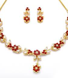 Buy LILY NECKLACE SET WITH EARRINGS (PEARL CORAL) - necklace-set online