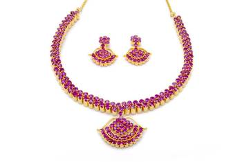 BELL NECKLACE SET WITH EARRINGS (RUBY) -
