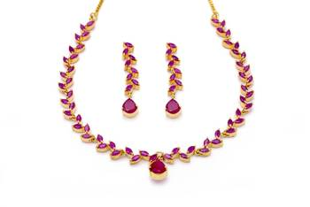 FLOWER LEAF NECKLACE SET WITH EARRINGS (RUBY) -