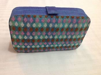 Multicolored box clutch