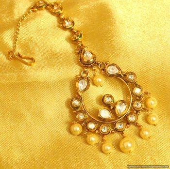 Kundan  And  Pearl Gold Look Paisley Pattern Maang Tikka