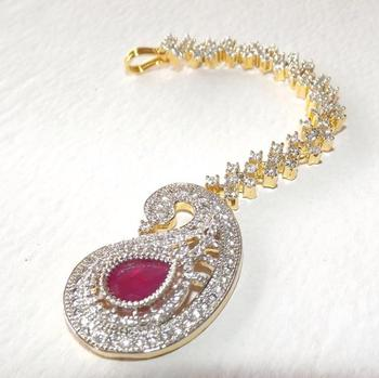 Bridal Maang Tikka in Diamonds in Maroon