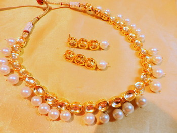pearl kundan and beads necklace