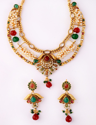 Unique Traditional Necklace Set