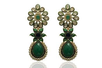 Gorgeous green toned earrings