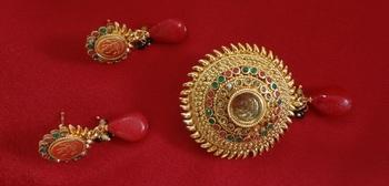 Designer Laxmi Pendant with earrings