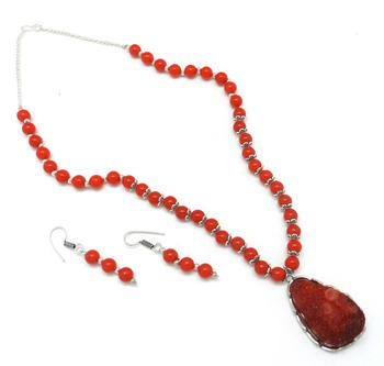 Durzy Pendant  Necklace With Red Crystal Beads