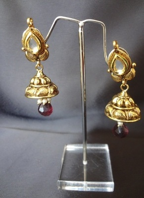 Gold Leaf Jhumki with Drop shaped Kundan Stone & Purple Drop