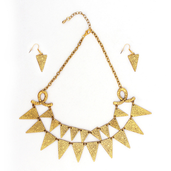 Gold Color Fashion-forward Necklace Set