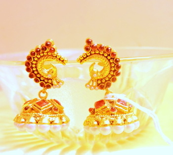 red pearl jhumki