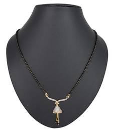 Gold diamond mangalsutra
