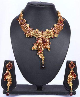 Red Gold Designer Raw Cut Necklace Set