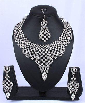 Exquisite Silver Designer Necklace Set