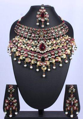 Royal Green Rani Pink Kundan Pearl Teardrop Necklace Set