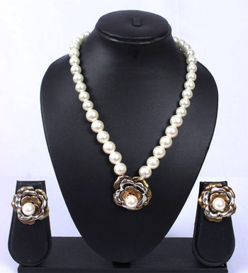 Gold Silver Rose Pearl Chain Pendant Set