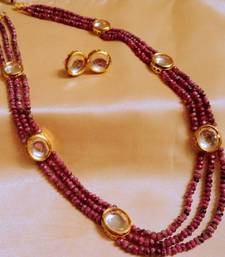 Royal Kundan And Onex Beads 3 Line  Neckpiece