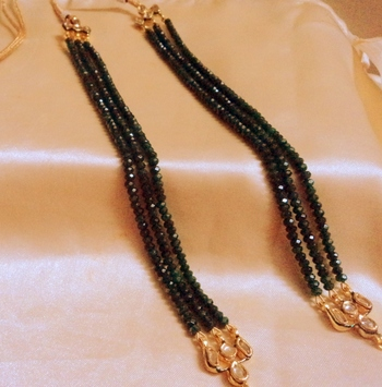 Kundan And Onex green 3 Line Neckline To Put In Any Pendent