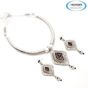 Vendee-Fashionable diamond Necklace set (6854)