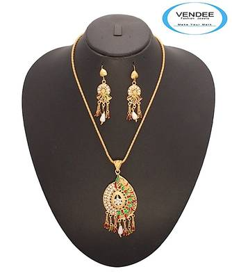 Vendee-Fashion Stud Eye-catchy Pendant Set (7053)
