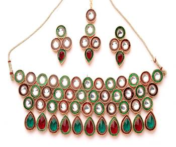 Rich Kundan Necklace Set