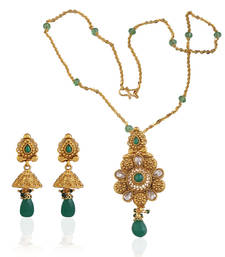 Buy Gracious antique pendant set Pendant online
