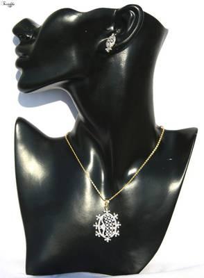 Stunning American Diamond Pendent set
