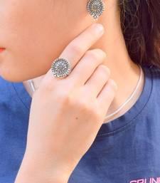 Finger Ring & Stud Set In Oxidized Metal  Pattern 2