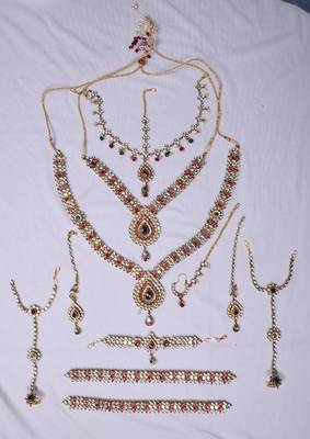 Classic Kundan Bridal Set 01 (PRE-ORDER) will be made in 15 days after confirm order