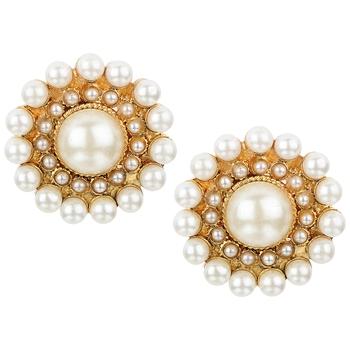 Ladies Studs White Copper Stud Earring for Women