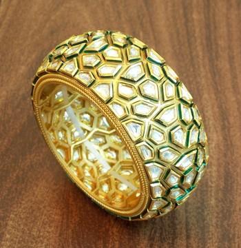Antique golden kundan stone studded bracelet