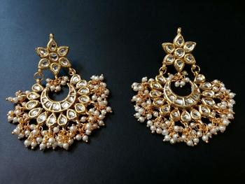 Gauhar White Pearl Earrings