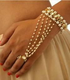 White pearl haath-phool-hath-panja