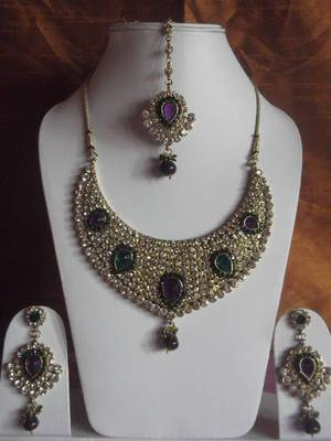 bridal collection kundan necklace with maang tika and long earrings