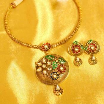 e690459c8405b Kundan meenakari leaf pattern hasli necklace set