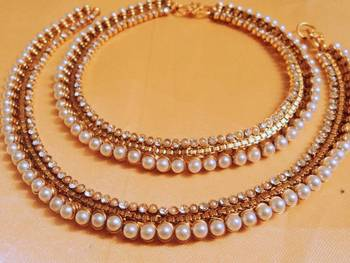 beautiful pearl payal