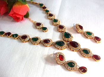 Multi color tilak Stone kundan necklace ser
