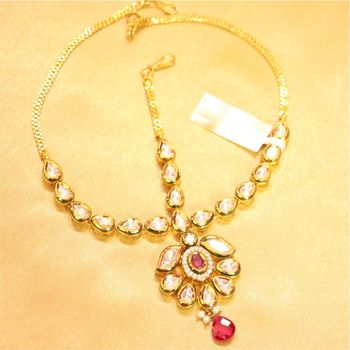 Gorgeous kundan ruby mathapatti