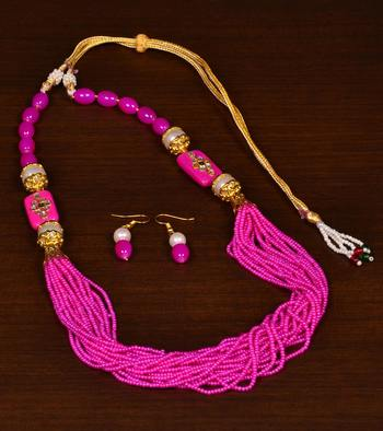 Seed Beaded Necklace with Traditional Festive Touch