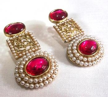 Circle Pearl Dark Pink Earrings