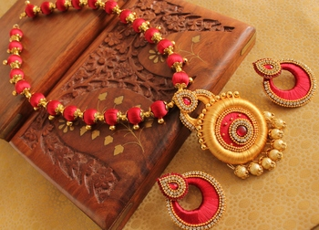 Awesome Designer Silk Thread Red Gold Necklace Set