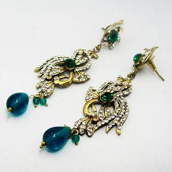 Victorian Earring Aqua Dangler