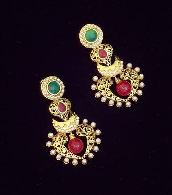 Traditional Pearl And Colored Stone Earring