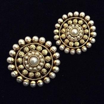 Beautiful Flower Pearl Stud Earring Ethnic India Traditional Jewellery