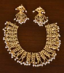 Gold Plated Pearl Embellished Wedding Essential High-End Jadau Choker Set