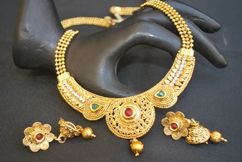 Reeti Fashions - Multiolcour Stone studded round motif with Beaded Chain