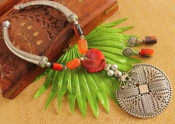 Beautiful Handmade Silver Pendant Necklace Set