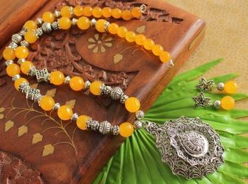 Beautiful Silver Pendant Yellow Beads Designer Necklace Set